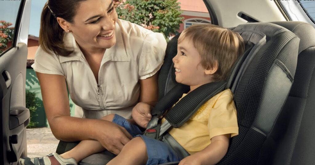 Viagem com os filhos: como transportar bebês e crianças corretamente.
