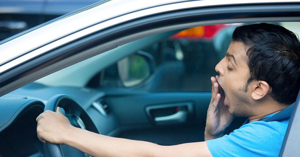 Você precisa evitar os perigos de dirigir com sono