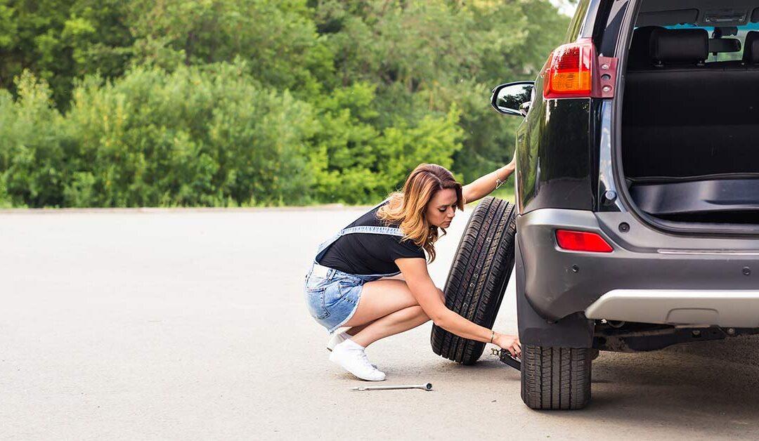 Como trocar o pneu sozinha com segurança